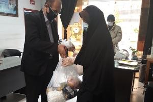 اهدا سبد کالا به مناسبت فرارسیدن ماه مبارک رمضان به بیماران خاص وسرطانی